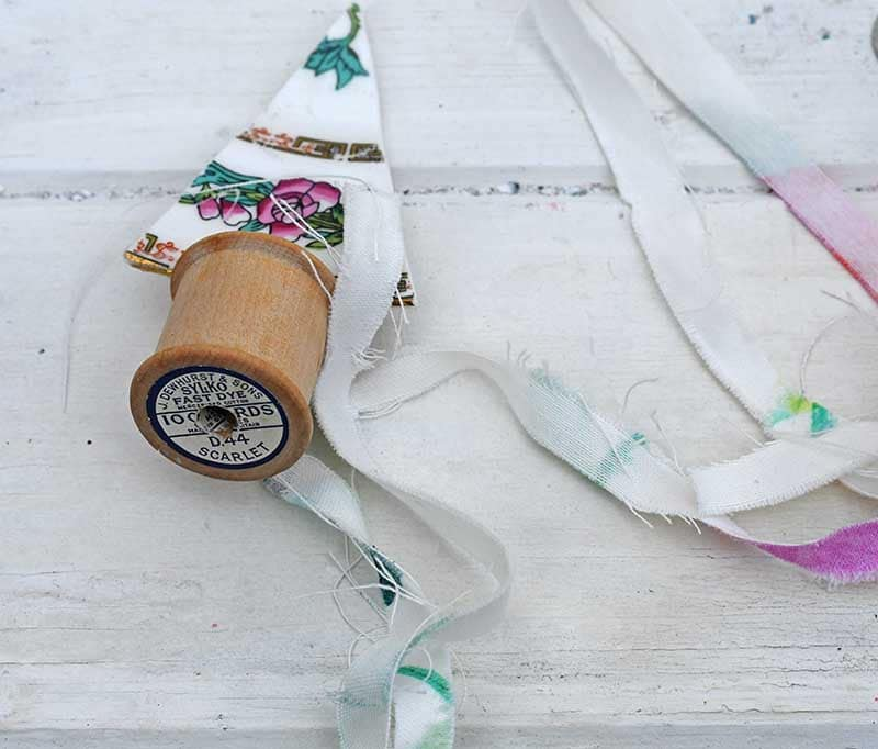 adding fabric to cotton reel
