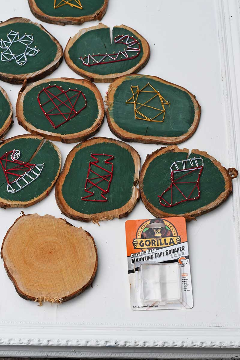 wood slice Christmas tree layout