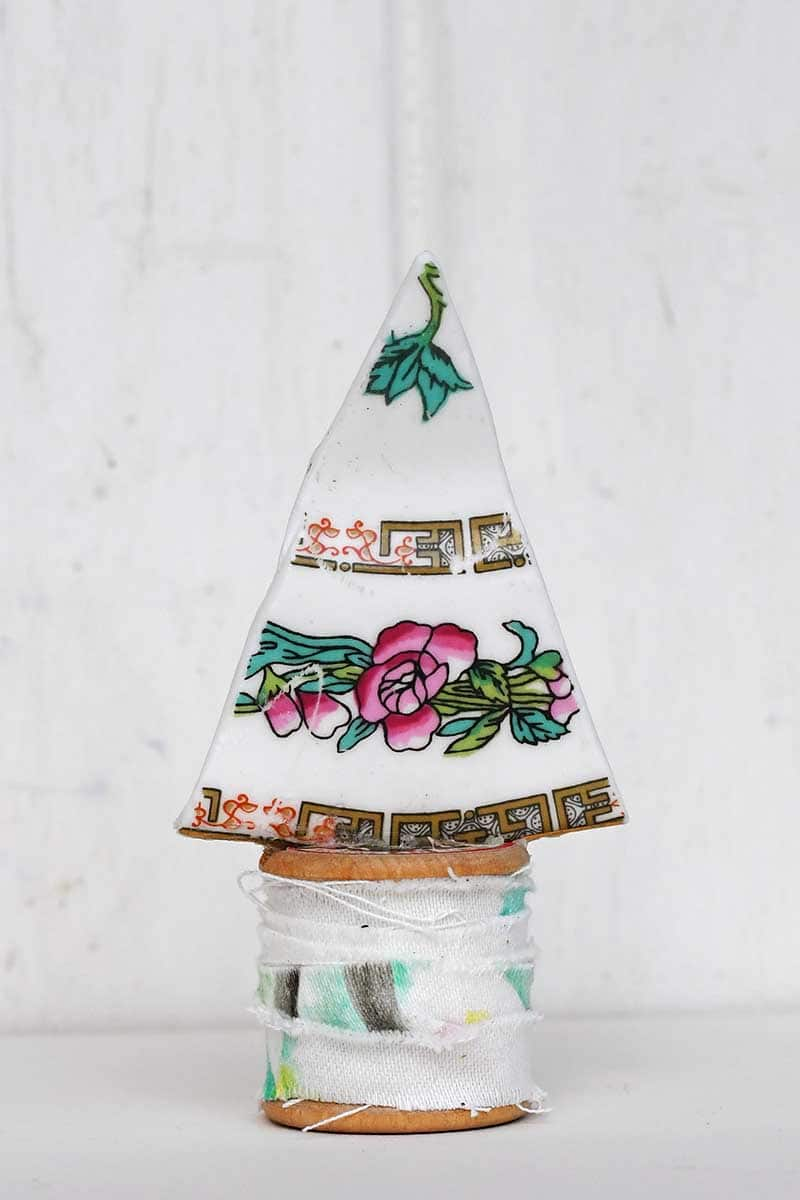 upcycle China Plate Christmas tree