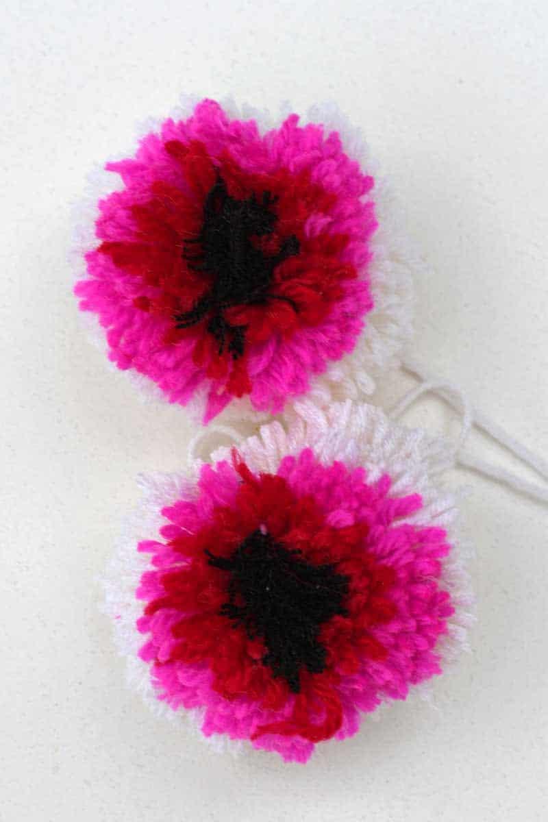 Marimekko DIY pom pom flowers pink