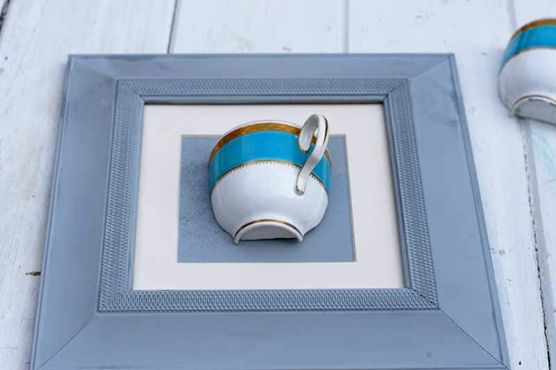Sticking tea cup to DIY wall vase