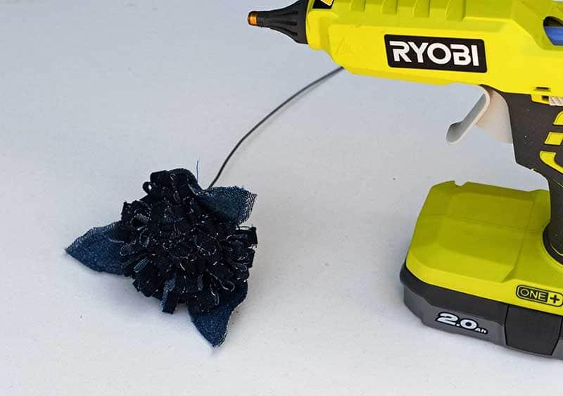 Securing leaf base with glue