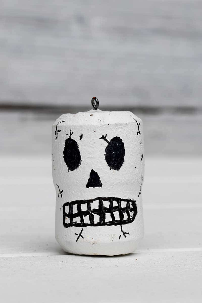 Skull wine cork craft