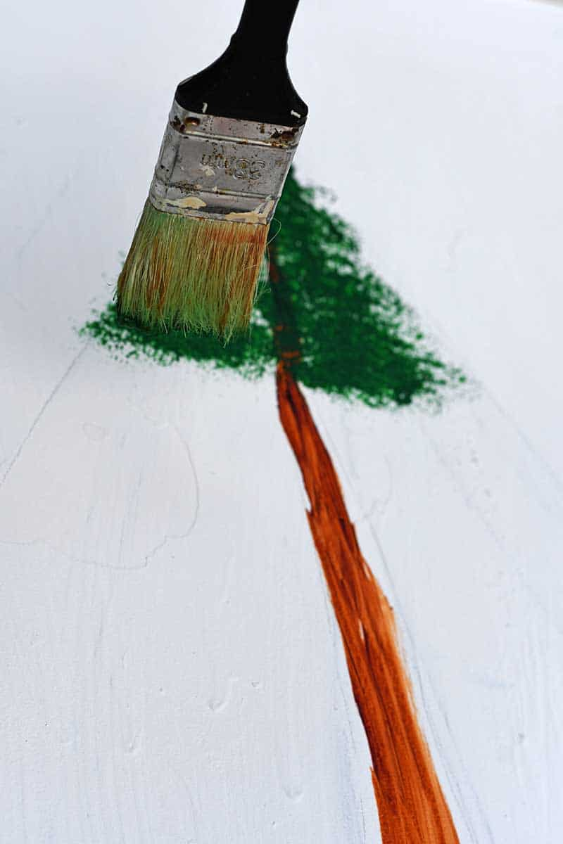 how to paint a Christmas tree leaves