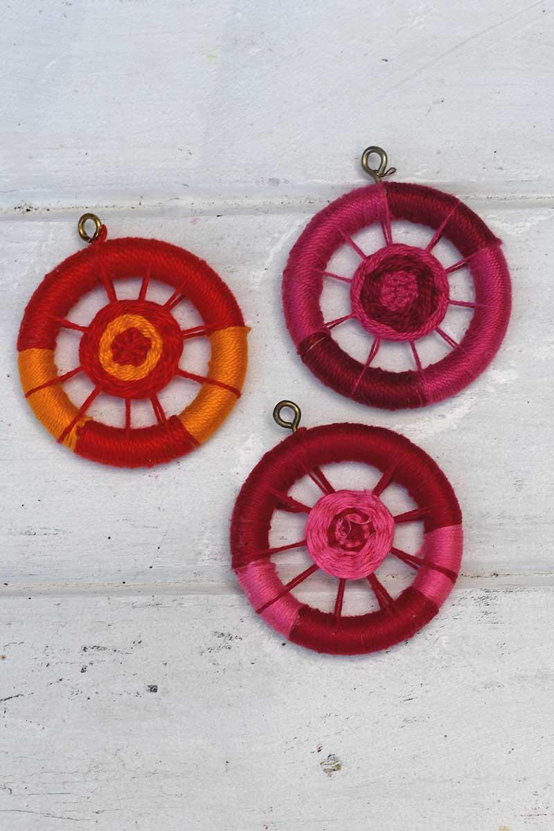 Making Dorset buttons