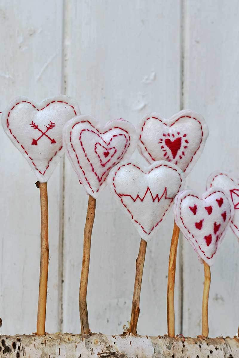 Cute embroidered hearts valentine's decoration