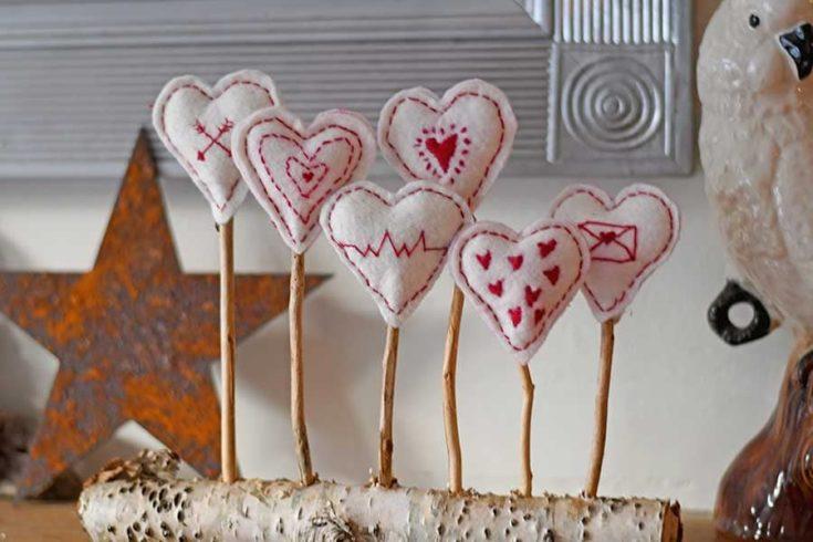 felt Scandinavian embroidered hearts