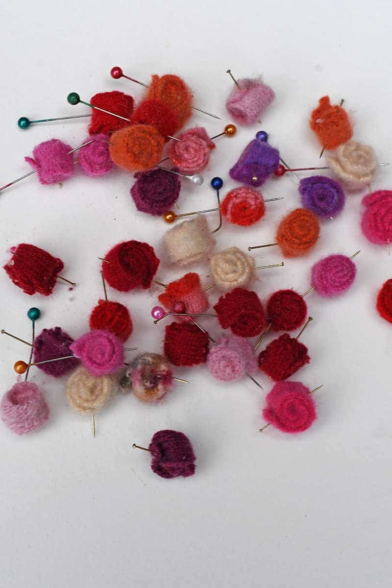 Sweater scrap roses for felt brooch