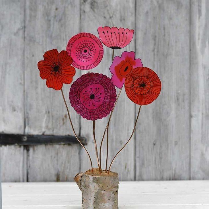 Scandinavian Doodle Flower Decoration